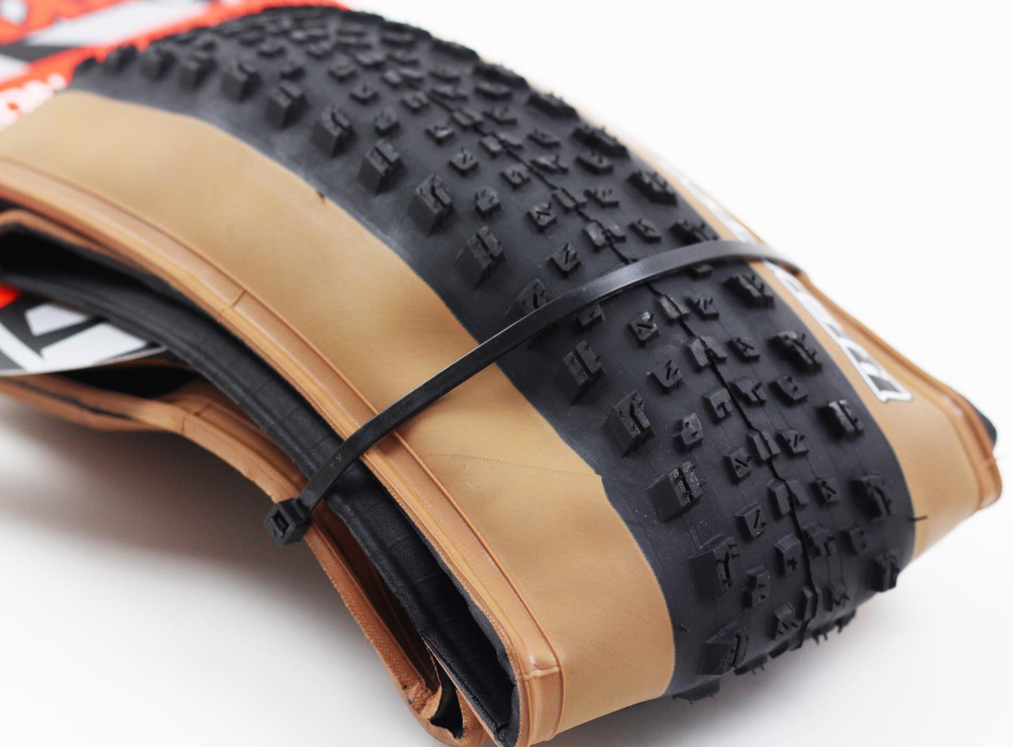 Pneu Mtb Maxxis Recon Race 29 2.25 Tubeless Ready Exo Protection em Kevlar 60 TPI Tanwall Faixa Marrom