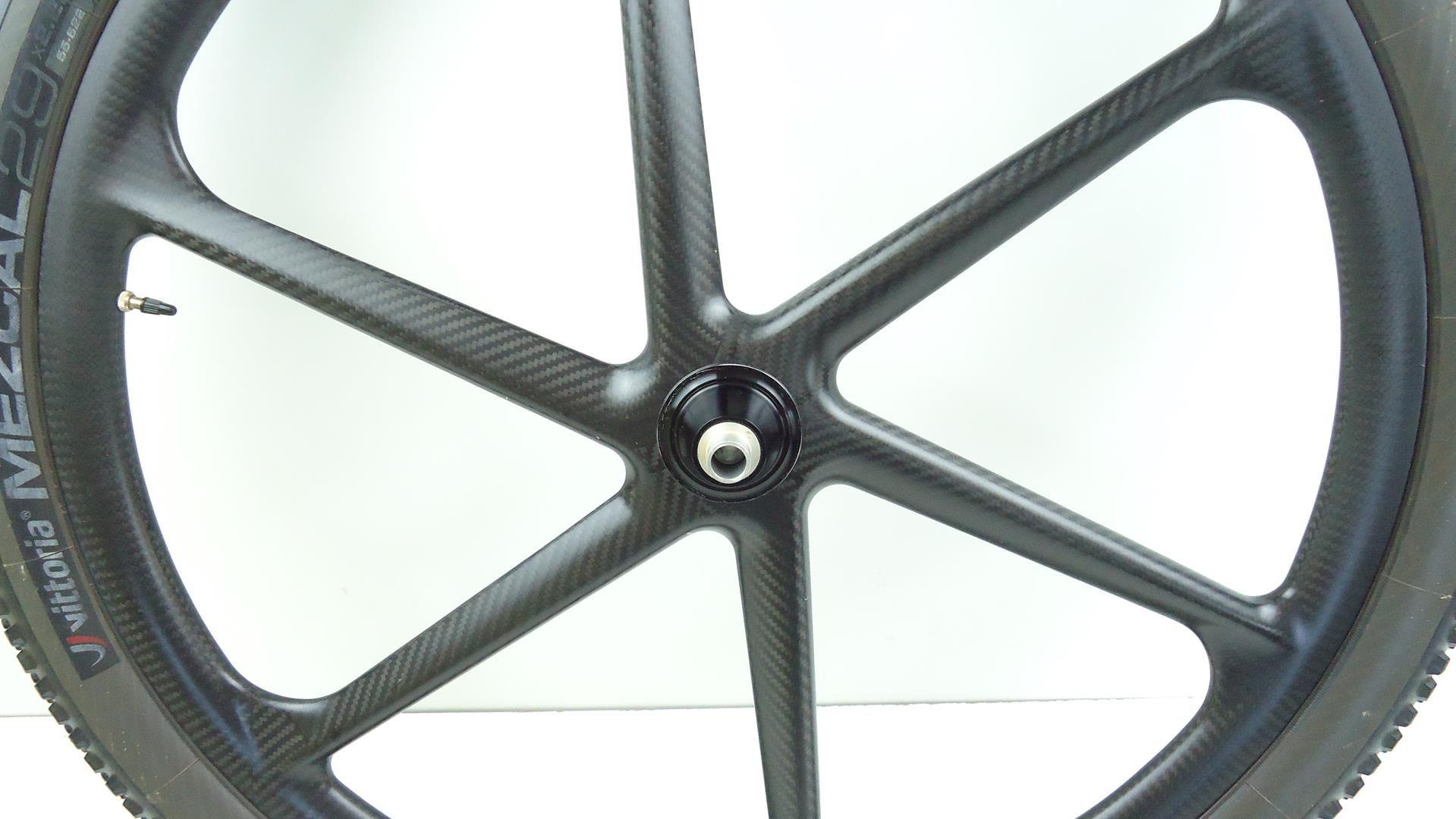Rodas Aro 29 Full Carbono 6 Raios p/ Sram XD Eixo Boost 148 ou 142x12mm e 15x100 - USADO