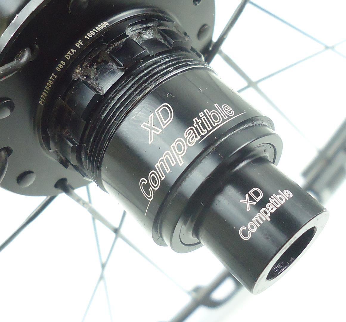 Rodas Enve M50 Aro 29 em Carbono com Cubos DT Swiss 240s Eixos 15x100 e 148x12mm Boost - USADO