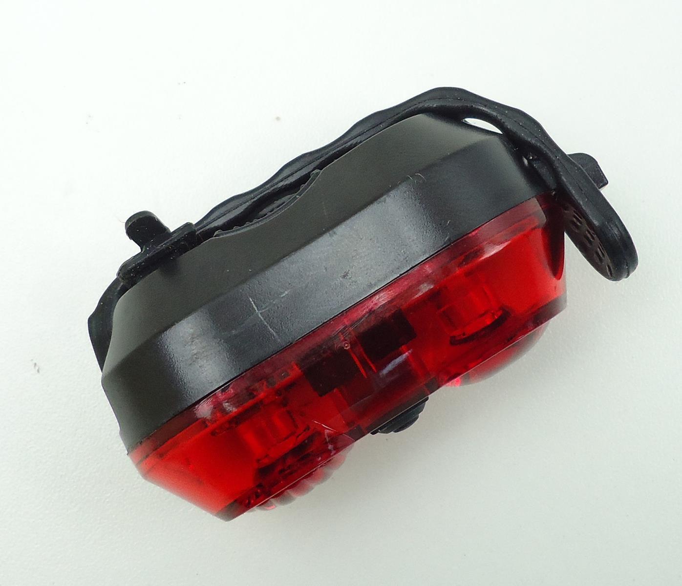 Sinalizador Traseiro Epic Line Vega+ com 2 Leds Vermelho Modos Luz Noturna Alta Potência Recarregável