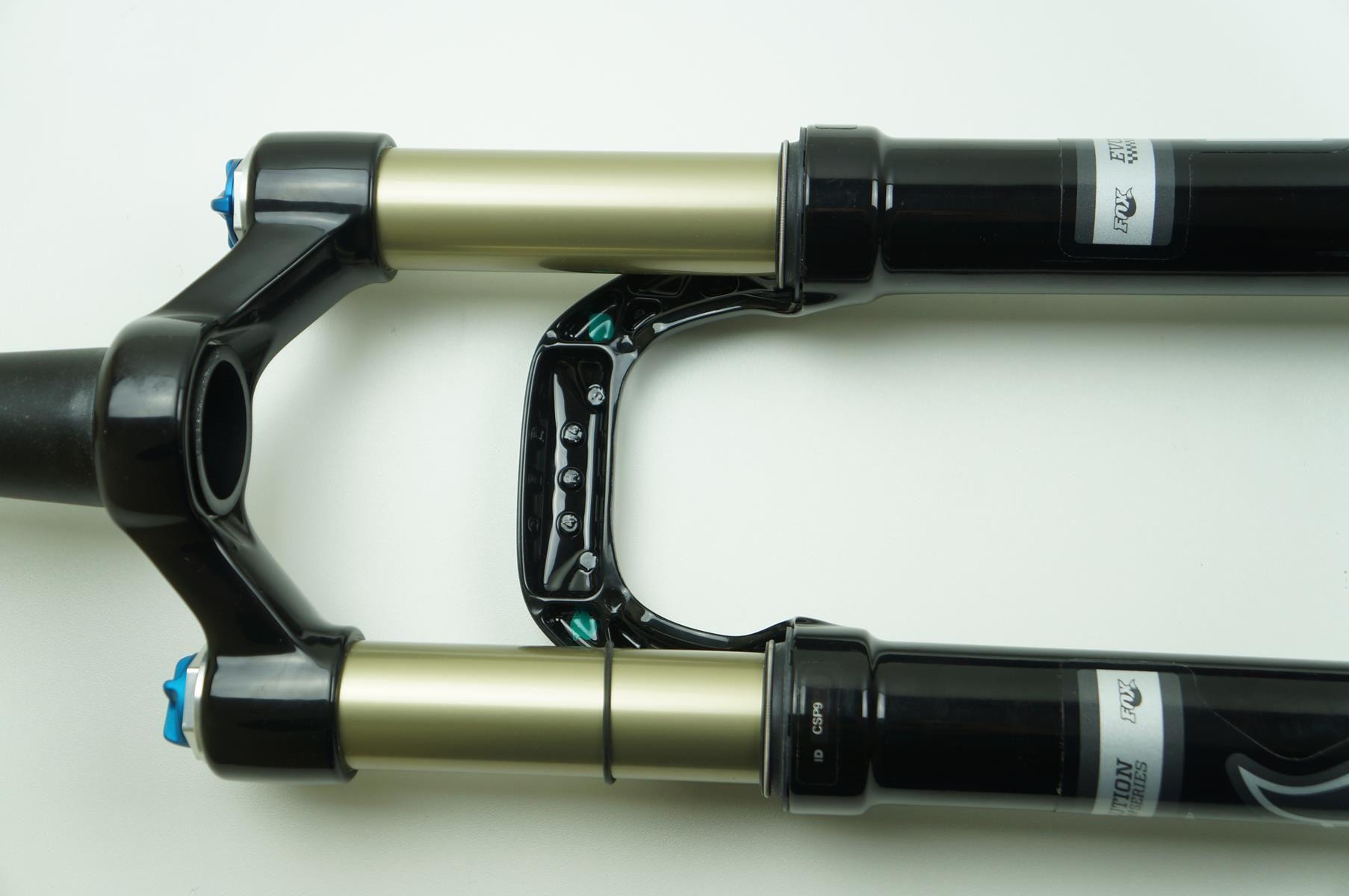Suspensão Fox Evolution CTD 29er 100mm Espiga Tapered Eixo 9mm Preta