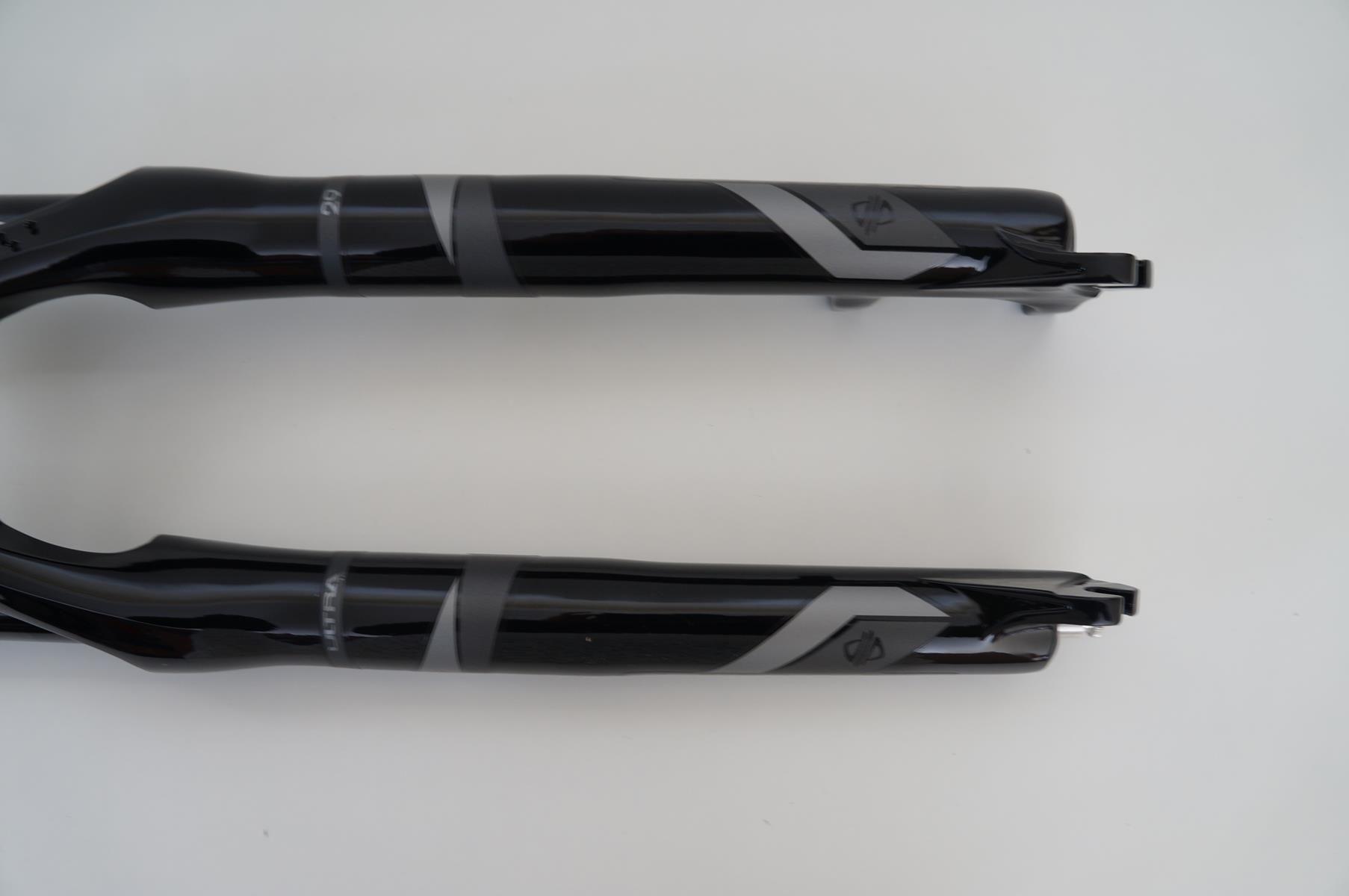 Suspensão Proshock Ultra TR 29 Reta 100mm Eixo 9mm Preta ou Branca