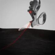 Tesoura com Mira Laser
