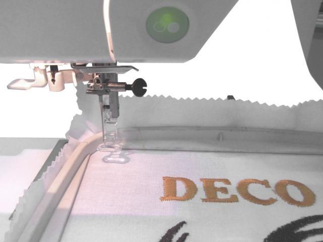 Máquina de Bordar Bernina Deco 340 - Àrea de bordado de 14x20 cm