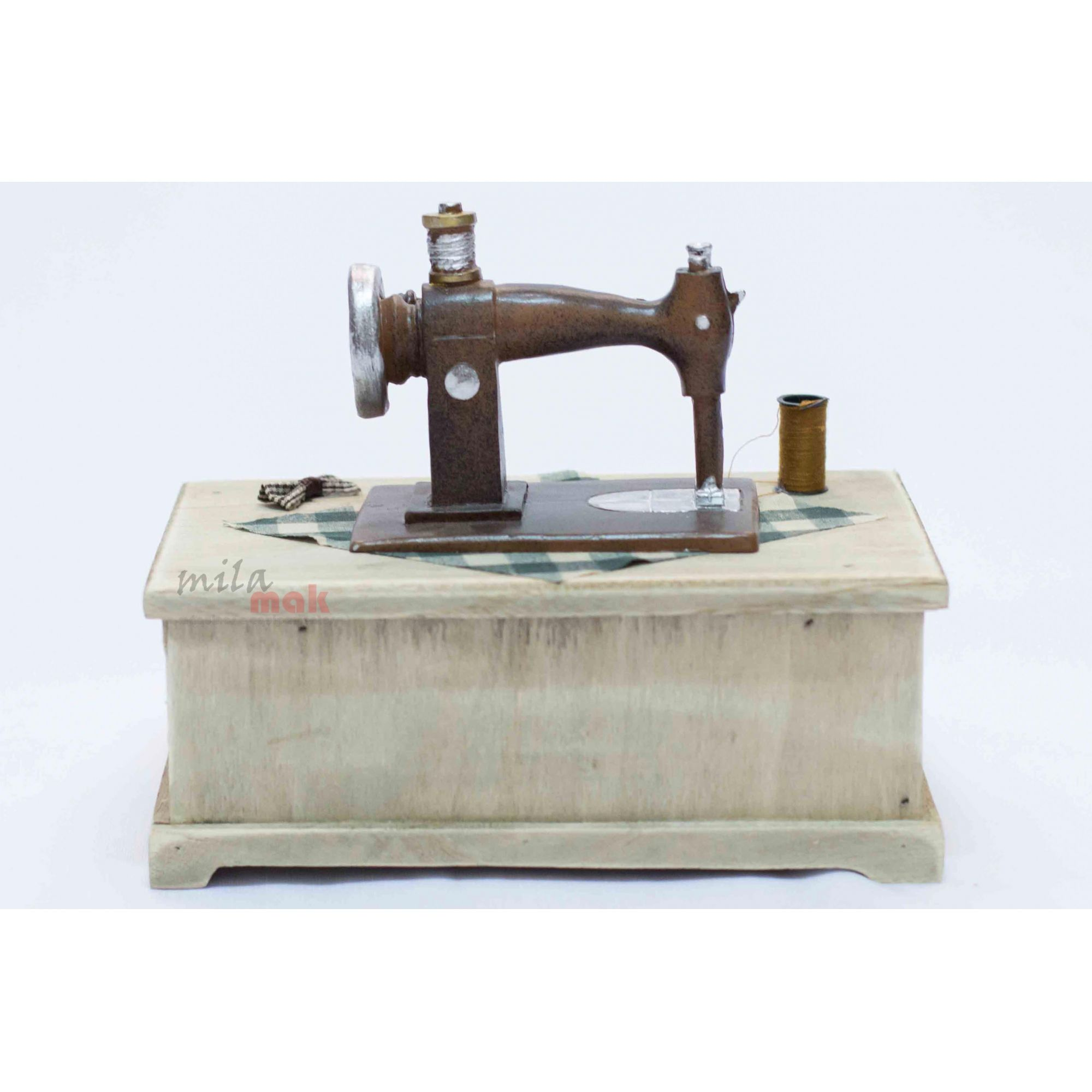 Mini Máquina De Costura Decorativa e porta objeto - com gavetas