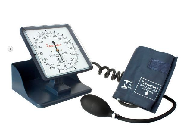 Esfigmomanômetro com rodízios Premium