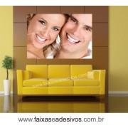 Adesivo Decorativo foto casal  1,40 x 0,95m - Esta foto, escolha outra ou envie sua foto