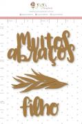 Enfeite Chipboard Adesivado Muitos Abraços - Coleção Nosso Herói - Juju Scrapbook