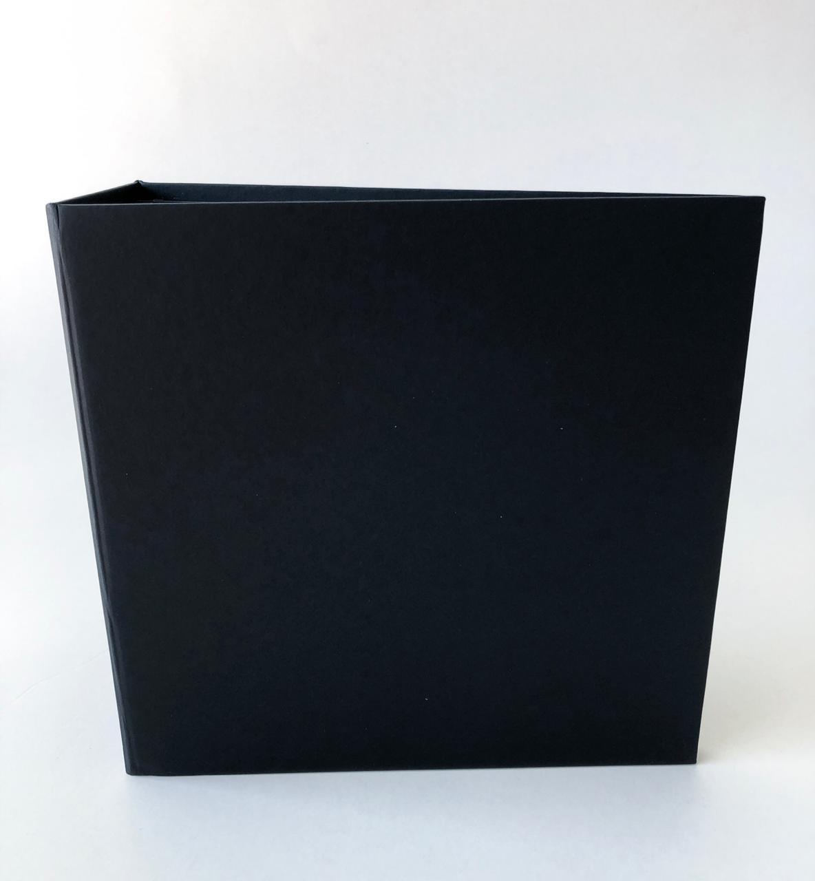 Álbum 20 x 20 com lombada Preto - JuJu Scrapbook  - JuJu Scrapbook