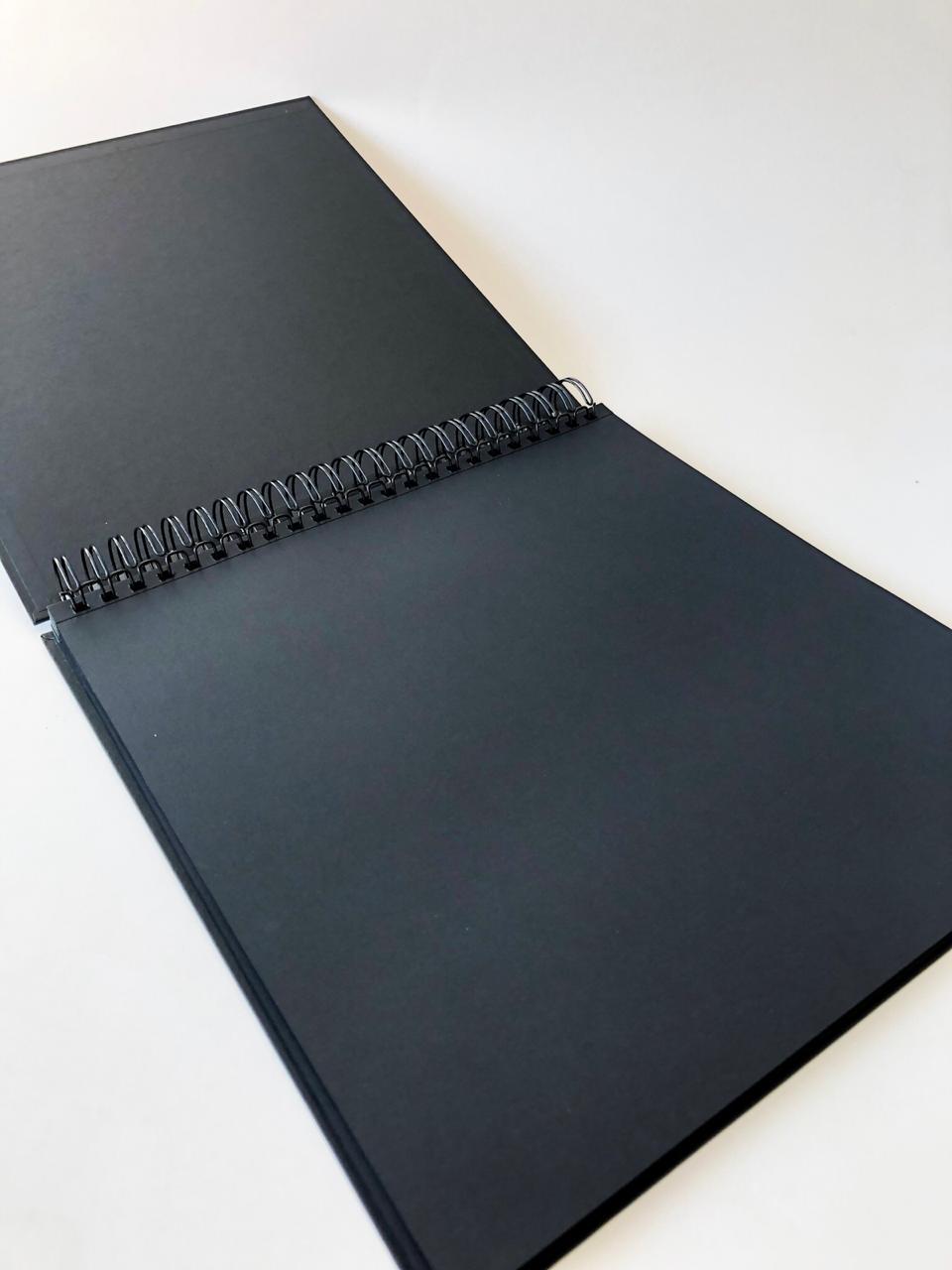 Álbum 30 x 30 com Wire-O Preto - JuJu Scrapbook  - JuJu Scrapbook