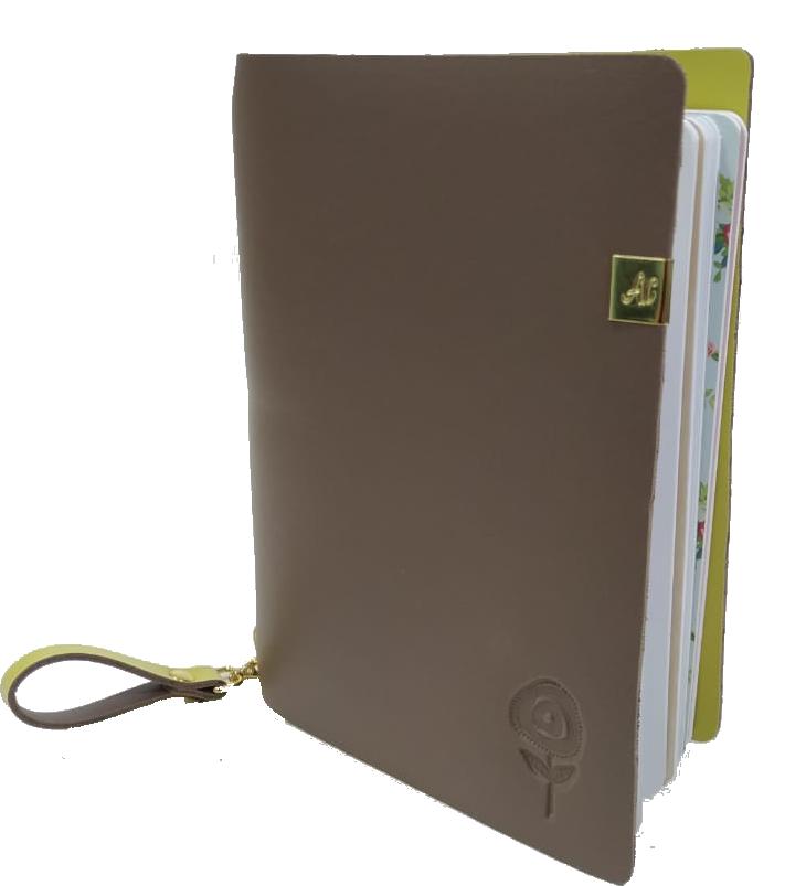 Scrap Minuto - Coleção Quarentena Criativa - Capa Brigadeiro  - JuJu Scrapbook