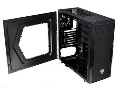 Gabinete Versa H22 Window Mid Tower com USB 3.0 CA-1B3-00M1WN-00 Preto - Thermaltake