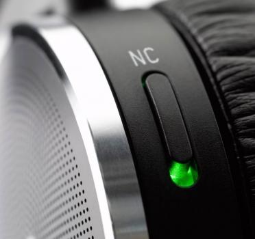 Fone de Ouvido K490 NC (Cancelamento de Ruído Externo) - AKG