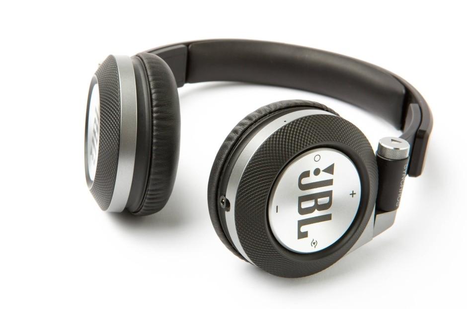 Fone de Ouvido Bluetooth Synchros E40BT Preto - JBL
