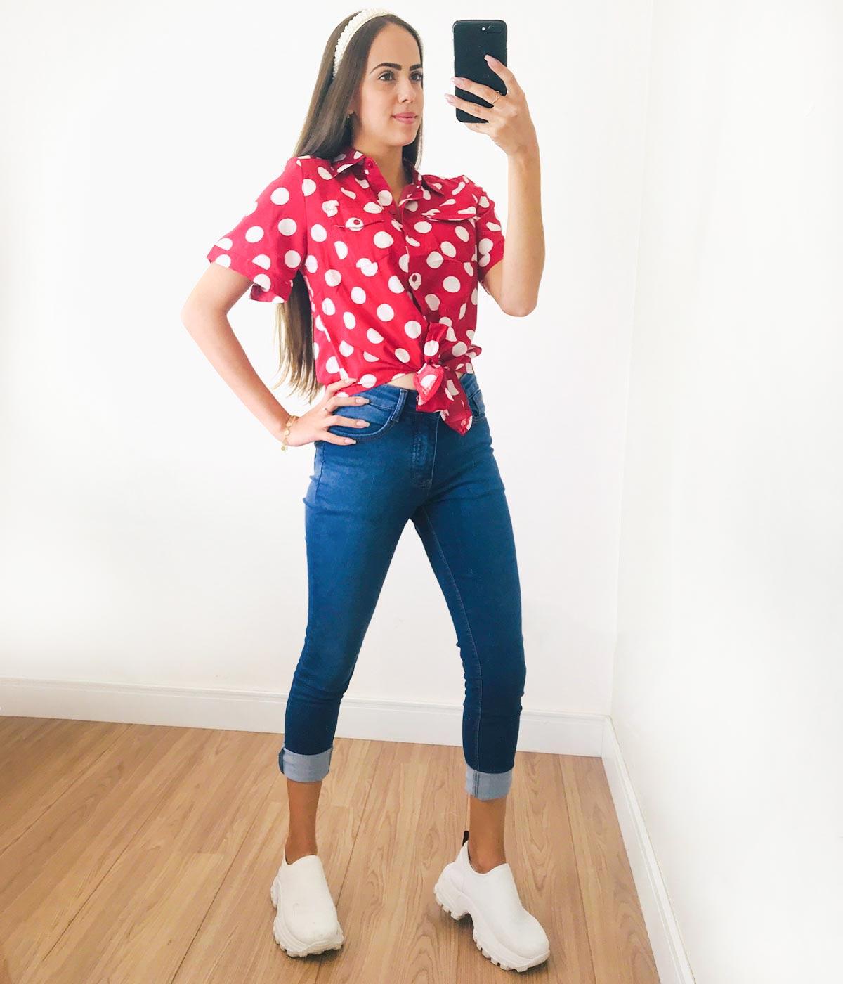 Blusa Social Poá Com Amarração Vermelha