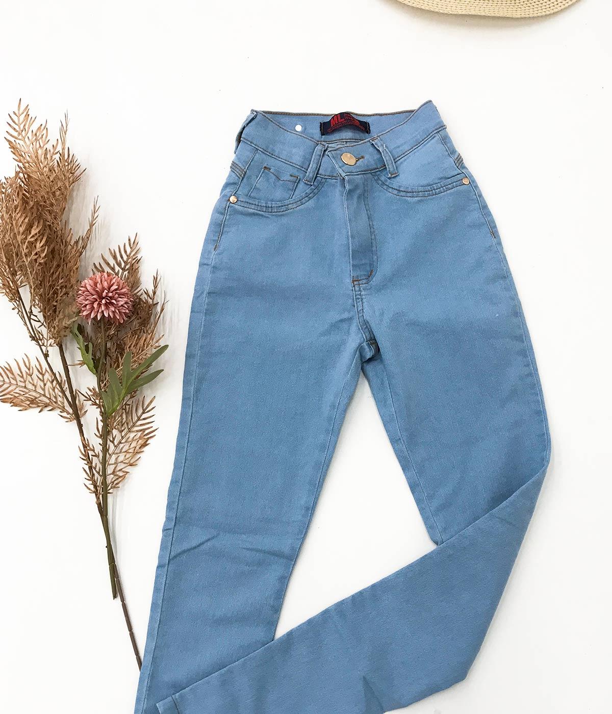 Calça Jeans Básica Clara