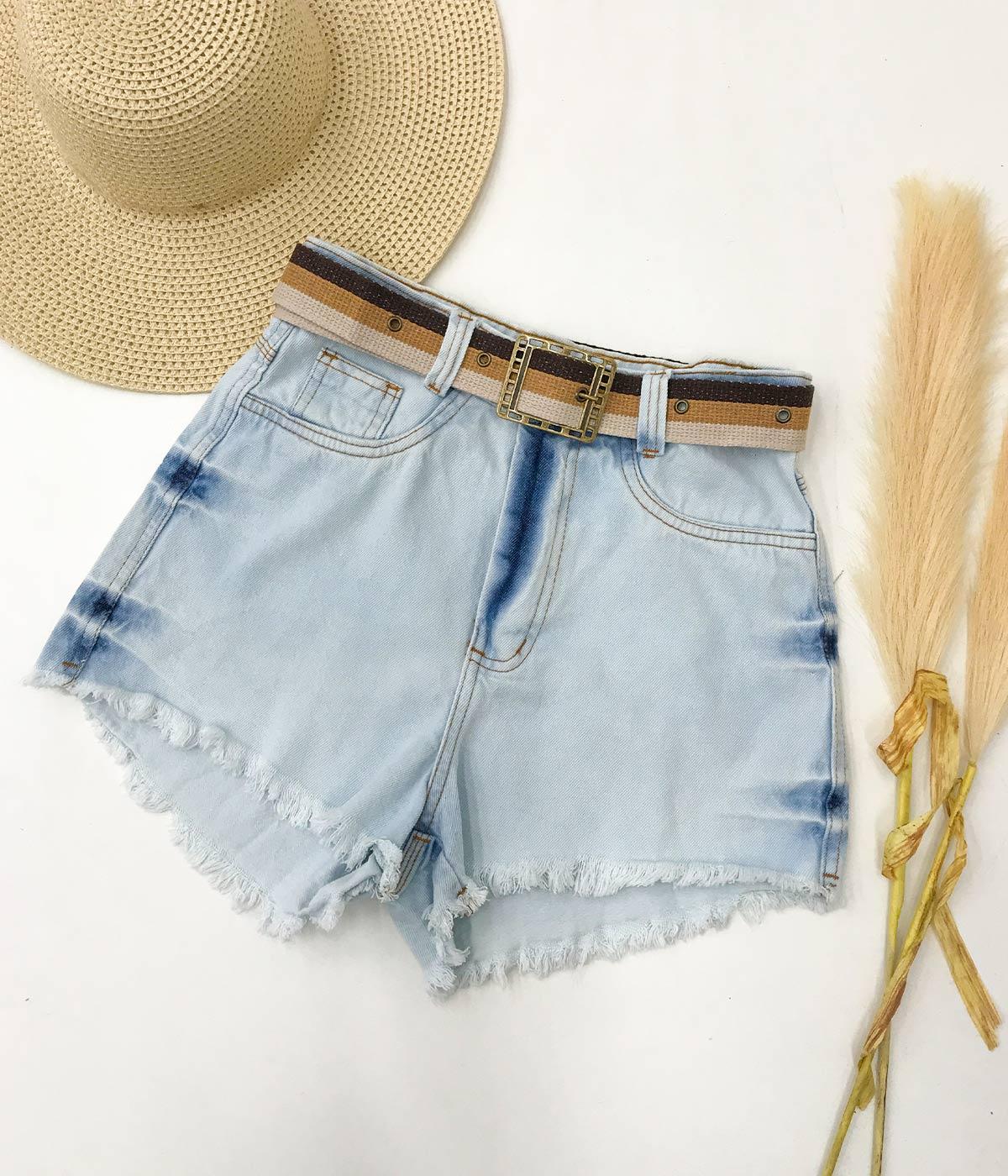Short Jeans Com Cinto Tricolor
