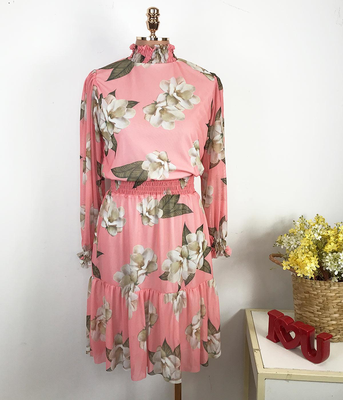 Vestido Curto Gola Alta Rosa