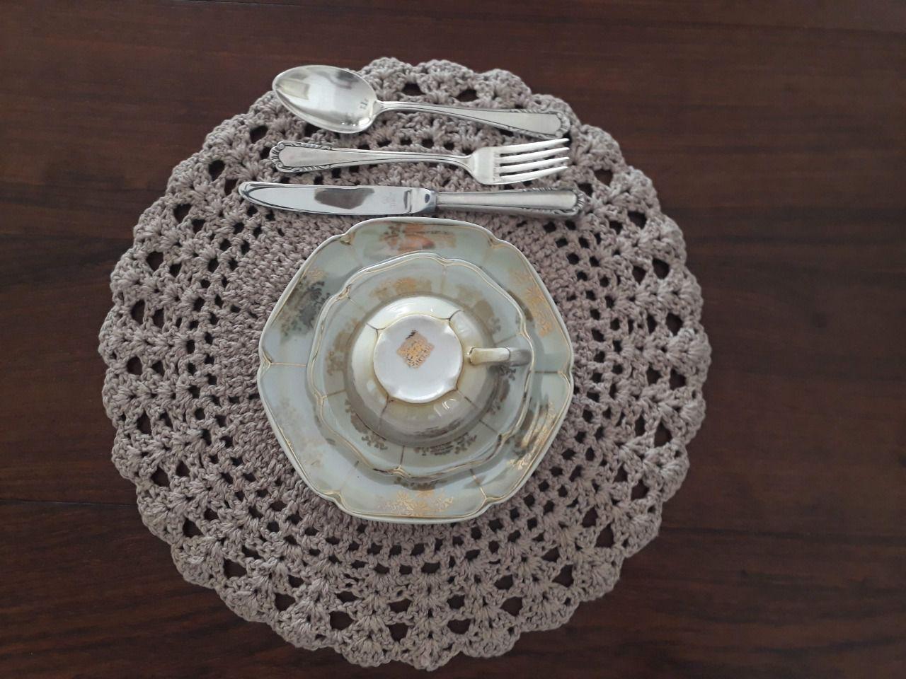 Sousplat de Crochet Bege Kit com 8  - Helô Reis Store