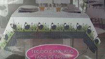 Toalha de Mesa 1,45x1,40m  Galinha