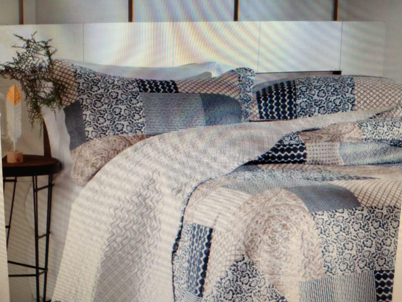 Kit colcha Bouti Patcwork Queen com Porta Travesseiro Sevilha