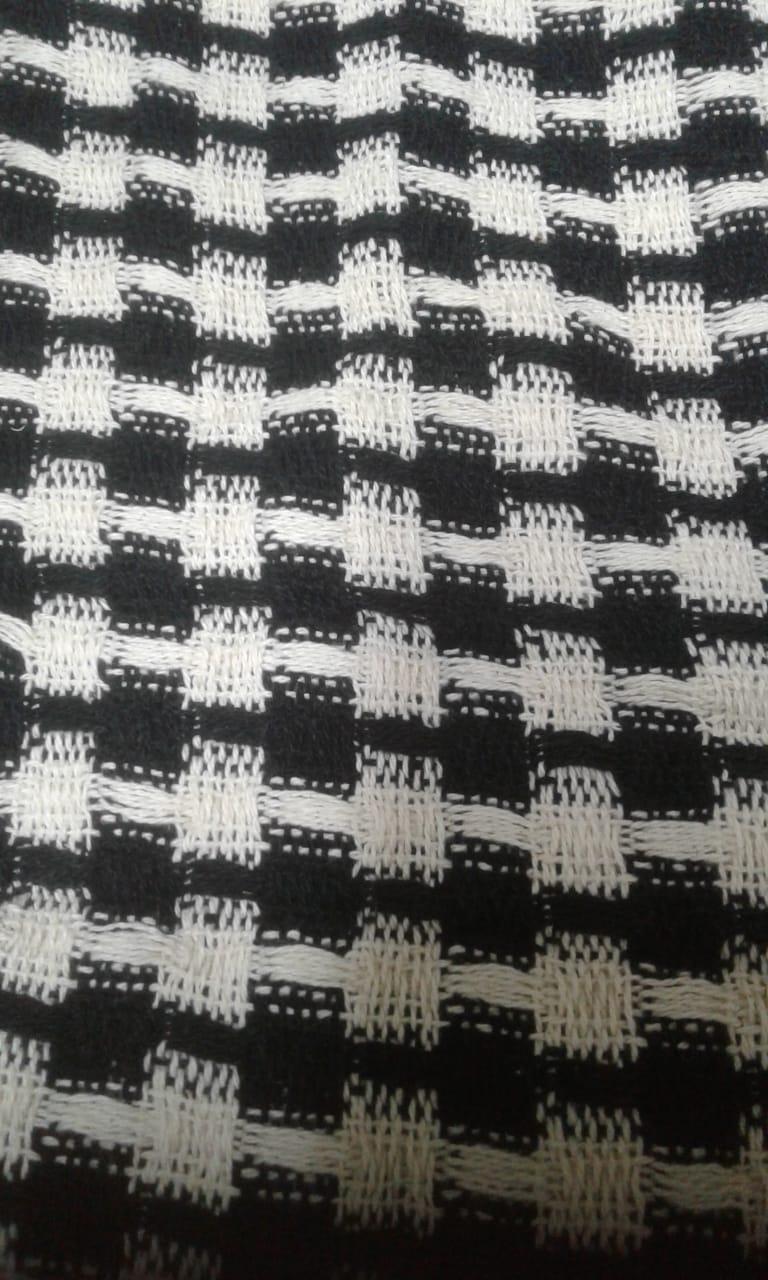 Manta Para Sofá Preto  E Bege 1,40x1,80