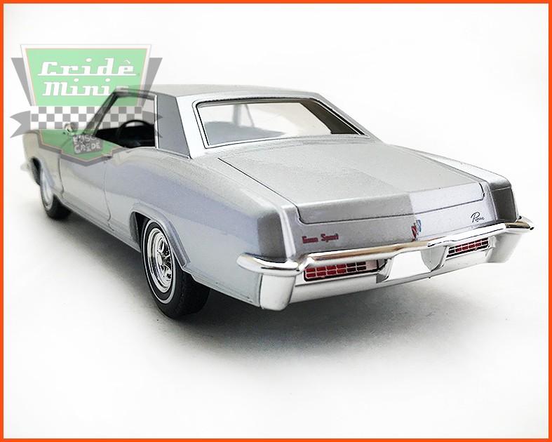Buick Riviera Gran Sport 1965 - escala 1/24