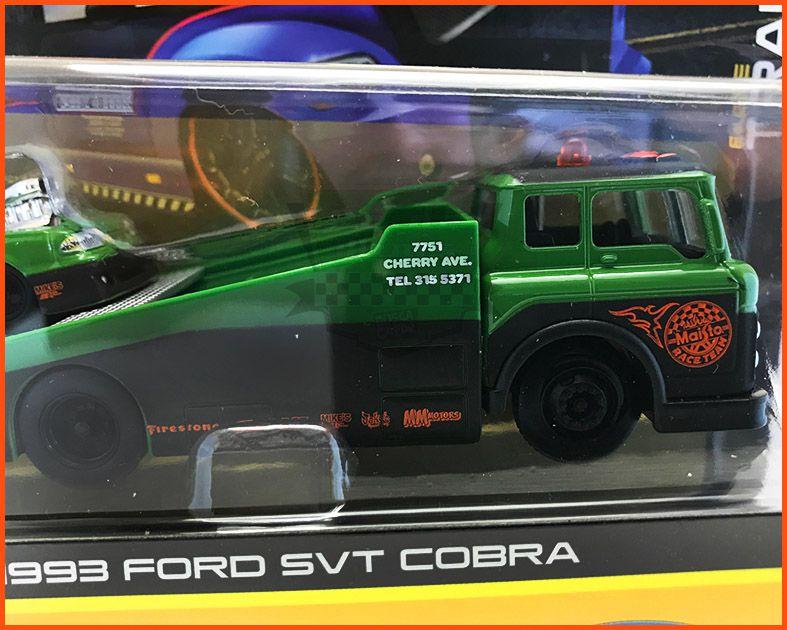 Caminhão Rampa/Ford SVT Cobra 1993 - escala 1/64