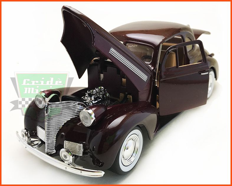 Chevrolet Coupe 1939 vinho - Escala 1/24