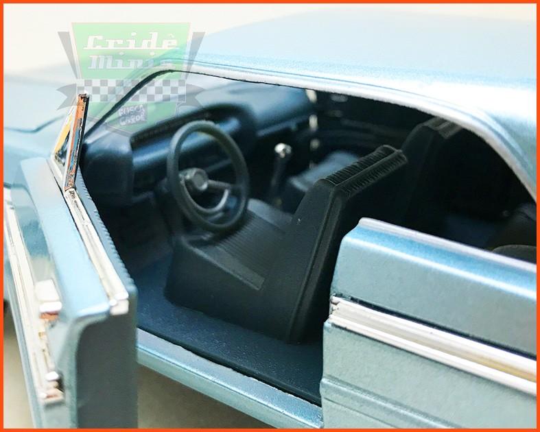 Chevrolet Impala 1965 - Escala 1/24