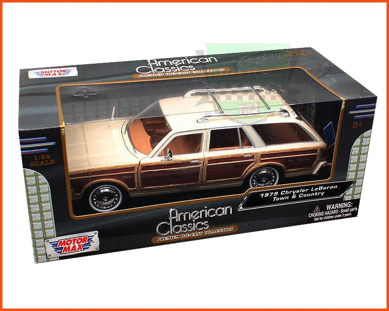 Chrysler LeBaron Town & Country Wagon 1979 com caixa individual e base - escala 1/24