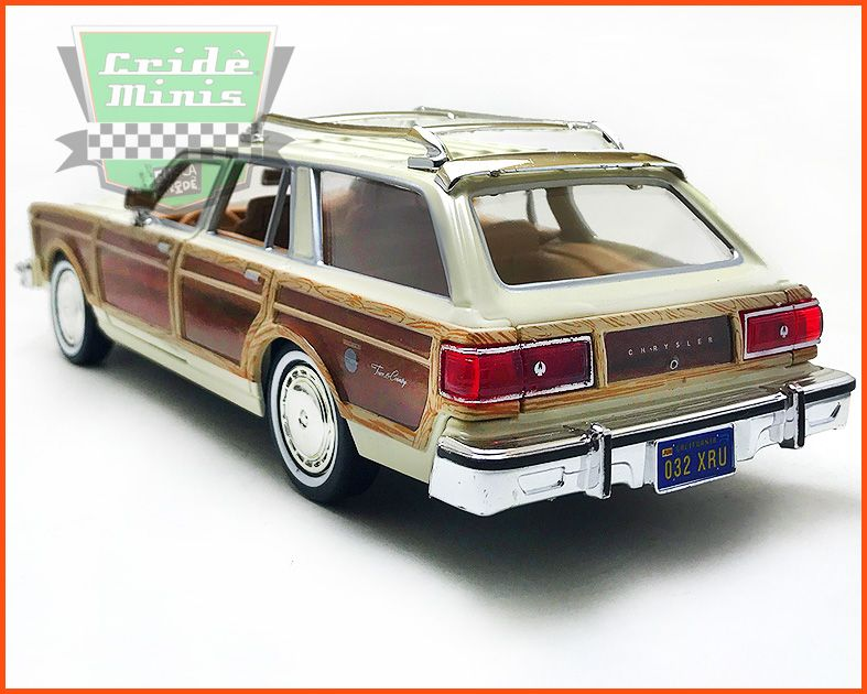 Chrysler LeBaron Town & Country Wagon 1979 Creme - escala 1/24