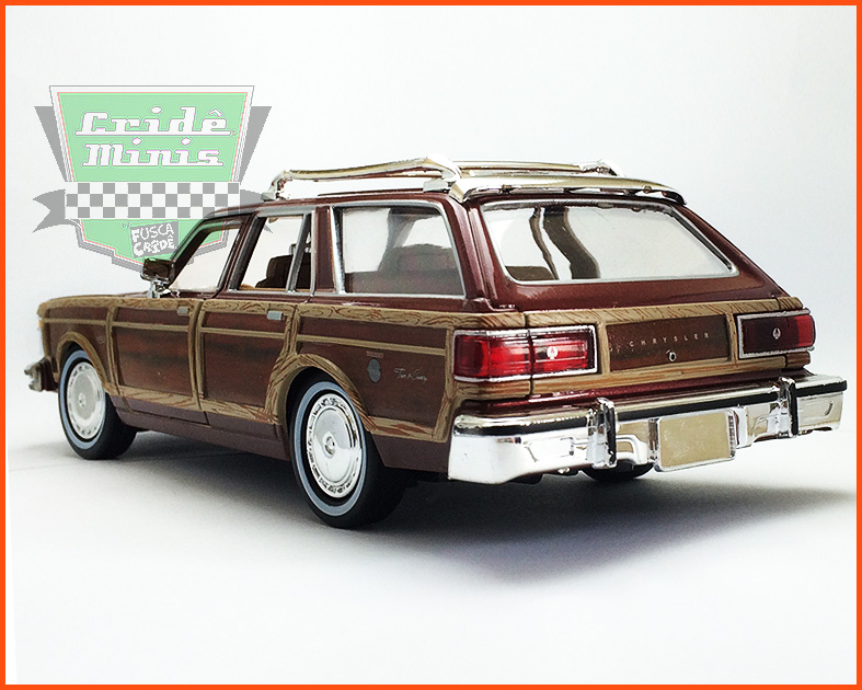 Chrysler LeBaron Town & Country Wagon 1979 - escala 1/24