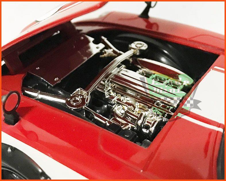 Datsun 240Z 1972 com caixa de acrílico especial - escala 1/24