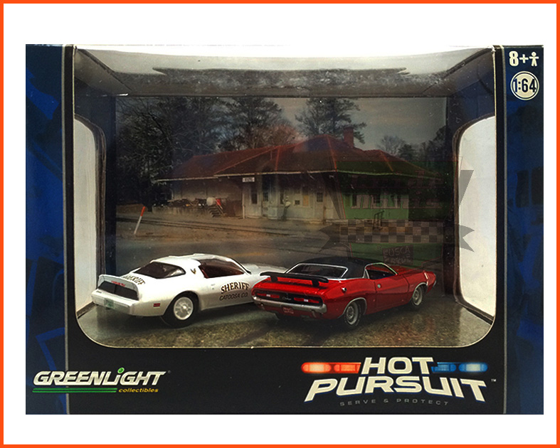 Diorama Hot Pursuit Pontiac Firebird 79 & Dodge Challenger 71 - escala 1/64