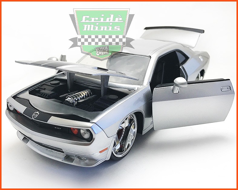 Dodge Challenger 2008 - escala 1/24