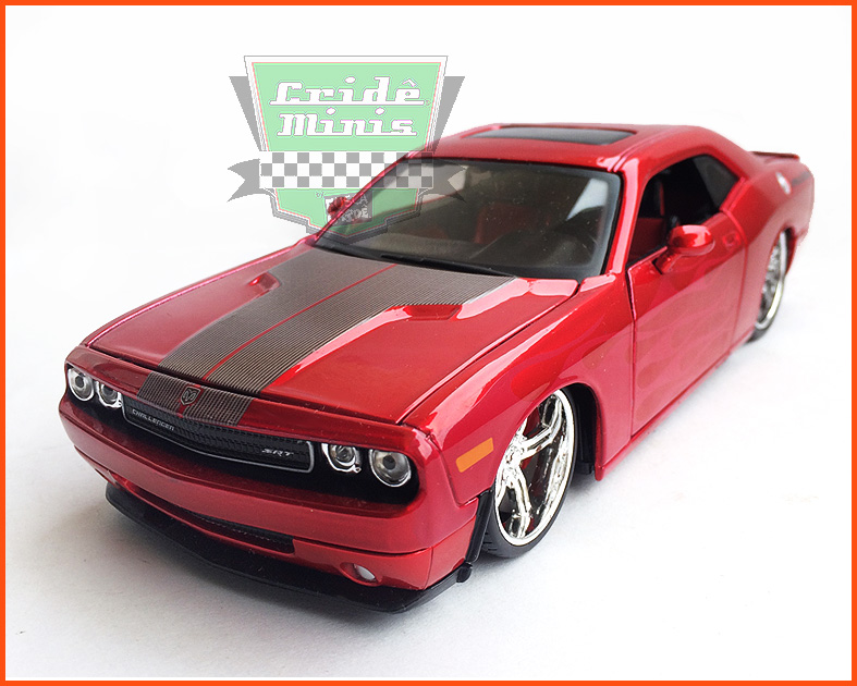 Dodge Challenger 2009 Flames - escala 1/24