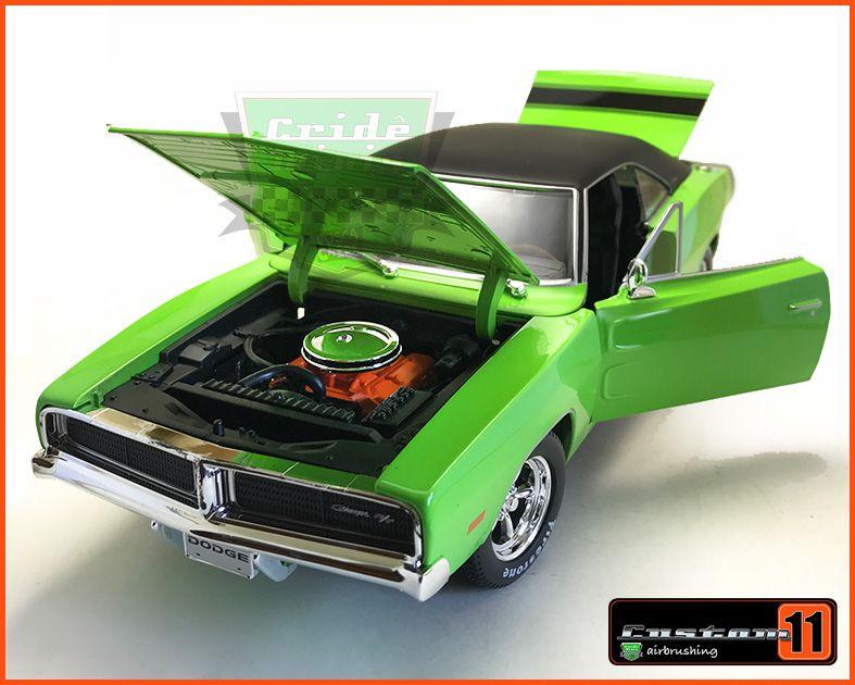 Dodge Charger R/T 1969 - escala 1/18