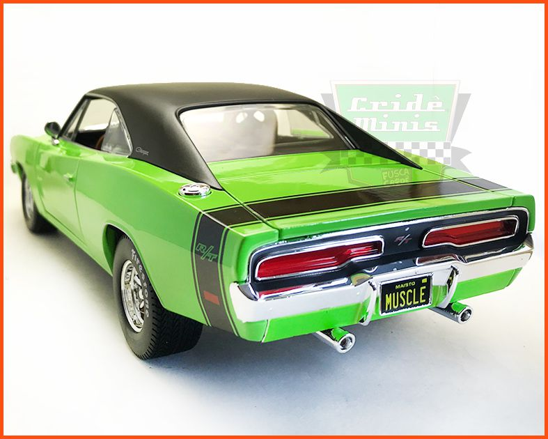 Dodge Charger R/T 1969 - escala 1/18