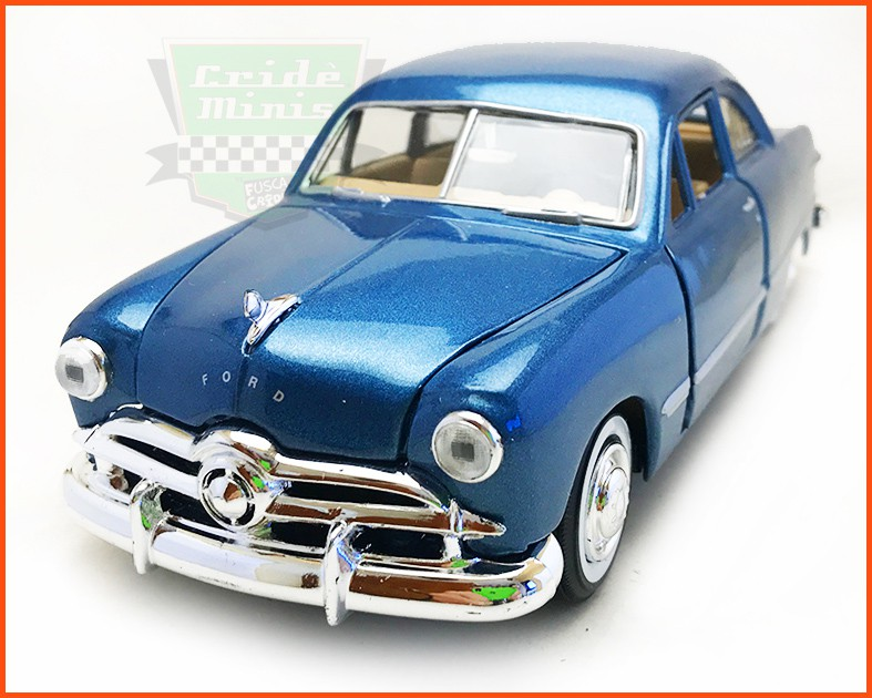 Ford 1949 com  caixa expositora e base - Escala 1/24
