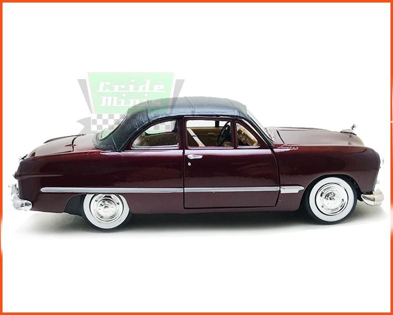 Ford 1949 com capota de Vinil CUSTOMIZADO Peça Ünica- Escala 1/24