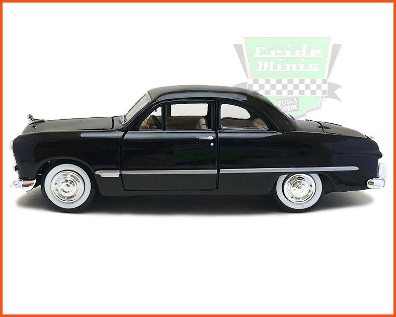 Ford 1949 - Escala 1/24