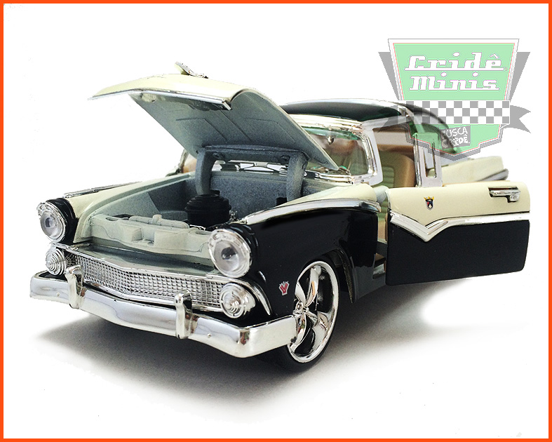 Ford Crow Victoria 1955 - escala 1/24
