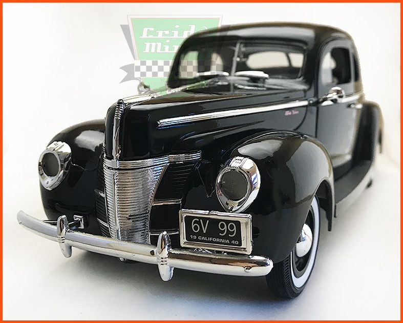 Ford DeLuxe 1940 - escala 1/18