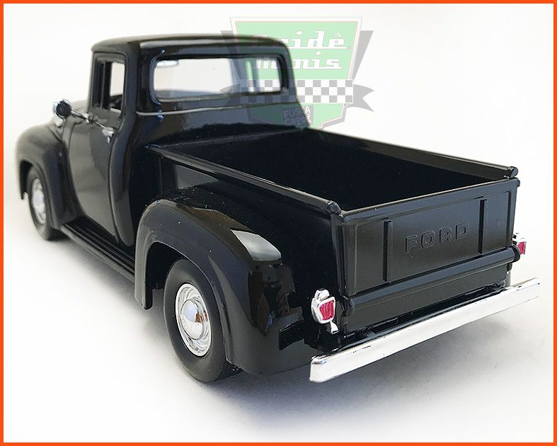 Ford F-100 1955/56 - escala 1/24
