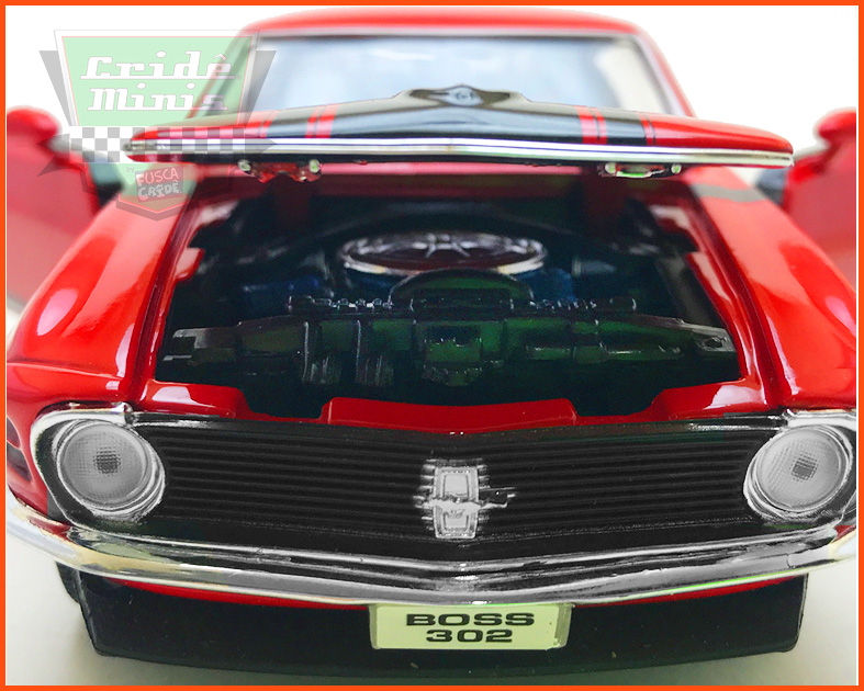 Ford Mustang Boss 302 1970 Red - escala 1/24
