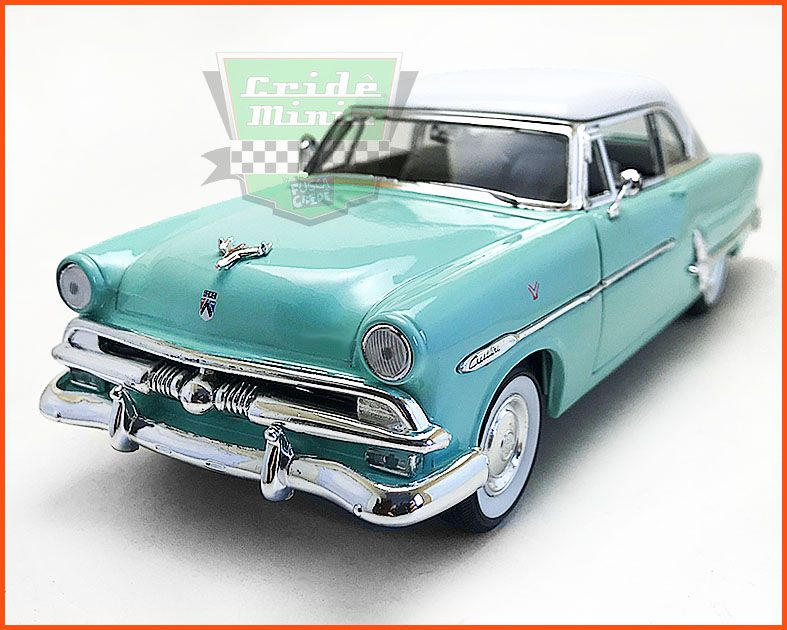 Ford Victoria 1963 - Escala 1/24
