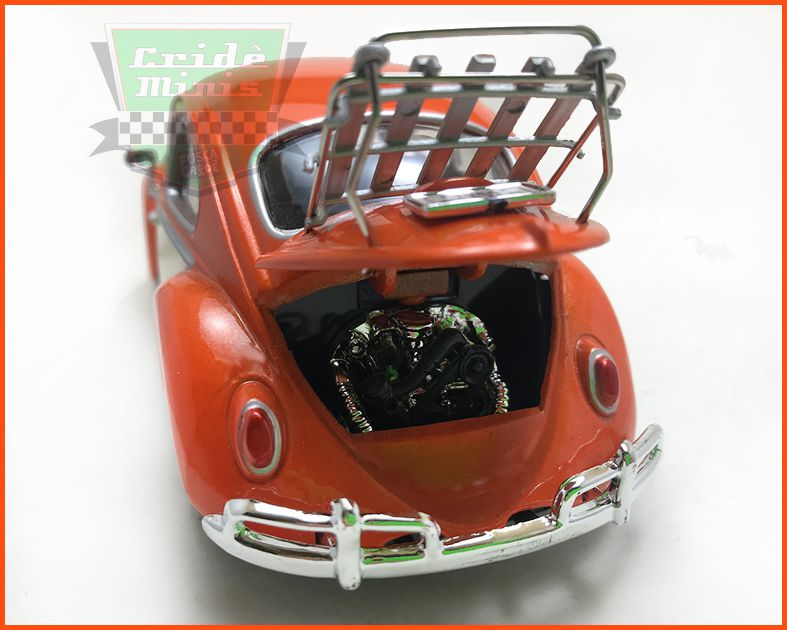 Fusca Sedan 1966 1300 com bagageiro de motor - escala 1/24
