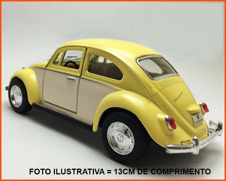 Fusca Sedan 1967 - Saia e Blusa - escala 1/32