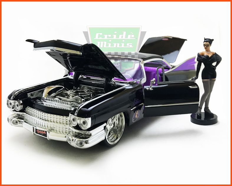 Jada CATWOMAN & Cadillac Coupe DeVille 1959 com figura  - Escala 1/24
